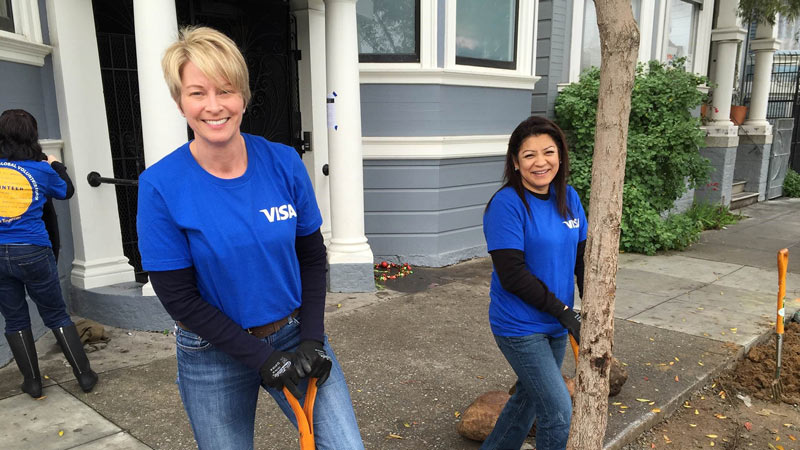 Visa team members volunteering